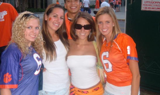 Week 3 Clemson-tailgating-girls