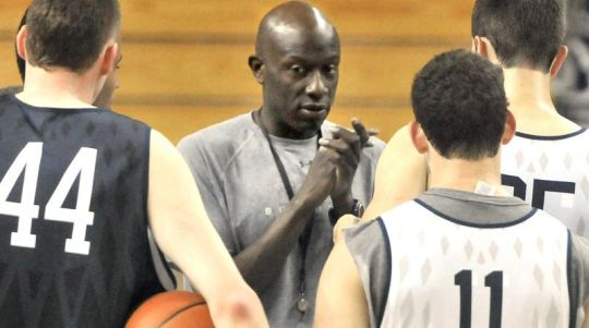 Yale coach James Jones has faced a dilemma with his rotation so far this season (New Haven Register)