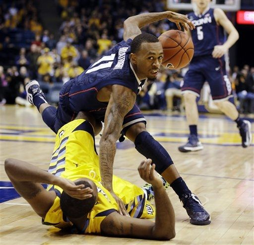 A refereeing blunder dominated the post-game discussion from a hard-fought Big East contest (Photo credit: AP Photo).