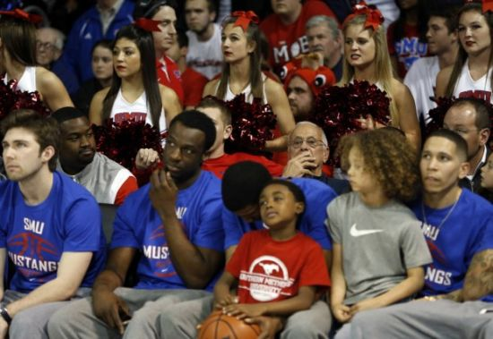 As one could imagine, Larry Brown (center) and his SMU squad didn't have the best Sunday afternoon. (Vernon Bryant/The Dallas Morning News)