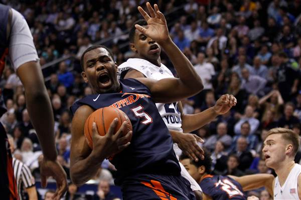 Pepperdine stunned BYU in the Marriott Center on Thursday. (AP Photo/The Daily Herald, Ian Maule)