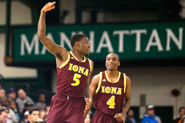 A.J. English and the MAAC-leading Gaels showed grit last week. (Andrew Theodorakis / New York Post)