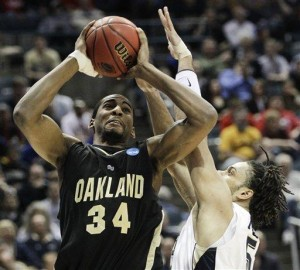 After Oakland's huge win over Tennessee, everyone should know Keith Benson's name (AP/M. Gash)