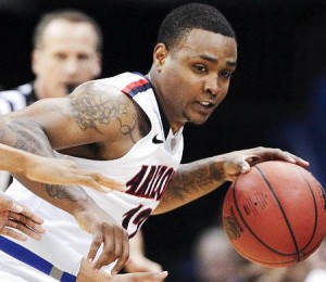 Momo Jones' Transfer To Iona Will SpellTrouble For Gaels Opponents. (Charlie Riedel/AP)