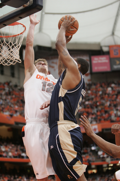 Pitt and Syracuse lead the way early on for the ACC