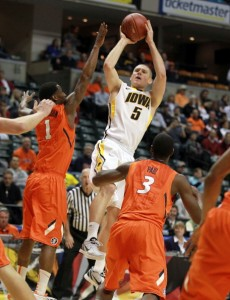Matt Gatens led Iowa to a big win over Illinois (Andy Lyons, Getty Images)