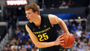 E.J. Singler Has Taken On The Leadership Role At Oregon And Has Shown His Ability To Make Big Shots (Gary A. Vasquez, U.S. Presswire)