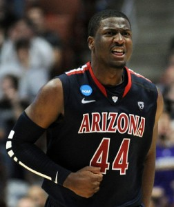 Solomon Hill had six three-pointers in the first half to lead Arizona back into a tie for first in the Pac-12.