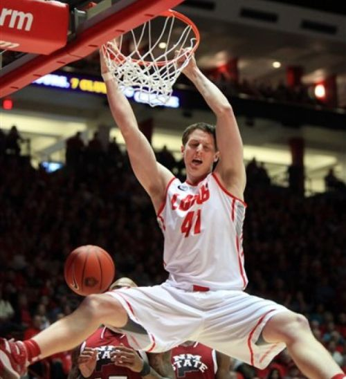 Cameron Bairstow Had A Big Week In Helping His Lobos To A Pair Of Solid Wins (Eric Draper, AP)