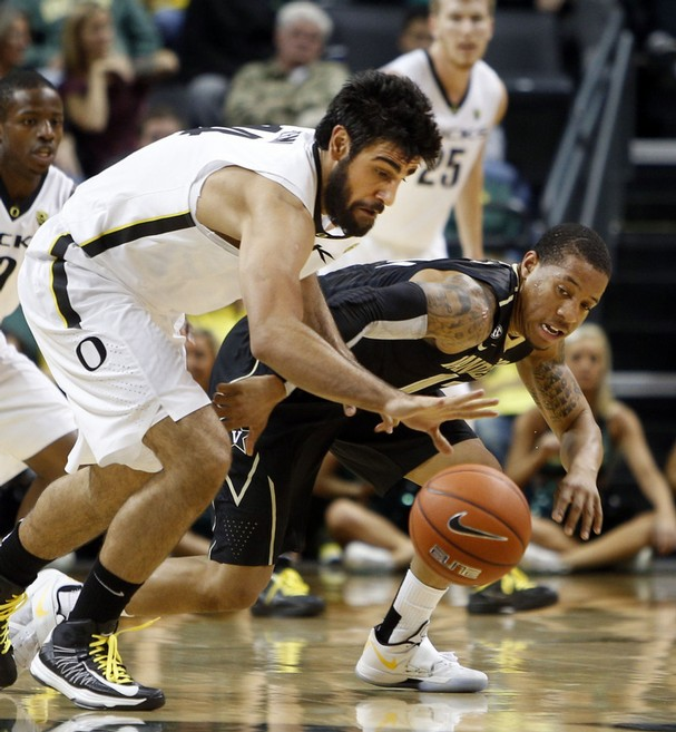 Senior Forward Arsalan Kazemi Was The Star Of Oregon's Defense On Saturday, Recording Four Steals And 17 Rebounds. (credit: Chris Pietsch)
