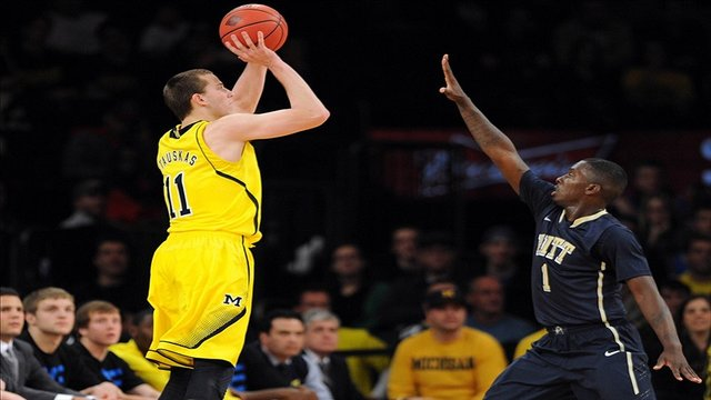 Nik Stauskas(left) has been very effective for the Wolverines so far.