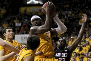 Leonard Washington Has Led Wyoming to a Surprising Undefeated Start (Troy Babbitt / US PRESSWIRE)