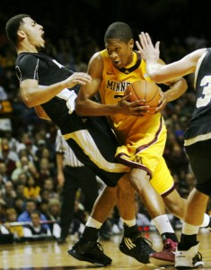 Rodney Williams has struggled during the Gophers losing streak (Star Tribune)