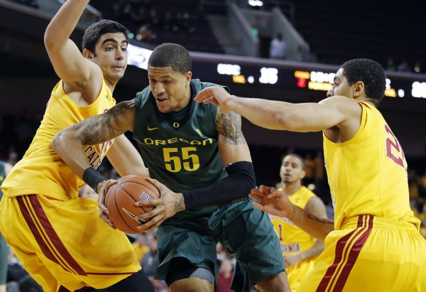 Holding off Arizona for the entire Pac 12 season will be difficult, but Oregon has the right mix of toughness, experience and youth to keep their top spot in the standings (Photo credit: AP Photo).