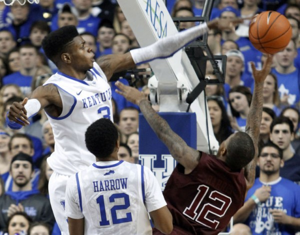 If Tuesday night is a sign of things to come, Kentucky could be a scary good team come March (Photo credit: AP Photo).