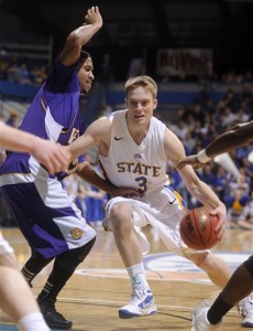 Ceola Clark III Will Try to Shut Down Nate Wolters Tonight (AP Photo / Argus Leader / Jay Pickthorn)