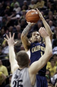 A huge last-second shot by Cobbs lifted Cal over Oregon in Eugene (Photo credit: AP Photo).