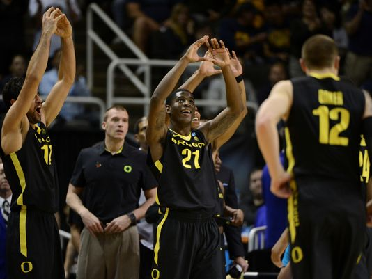 Arsalan Kazemi, Damyean Dotson And The Rest Of The Ducks Are Headed To The Sweet Sixteen