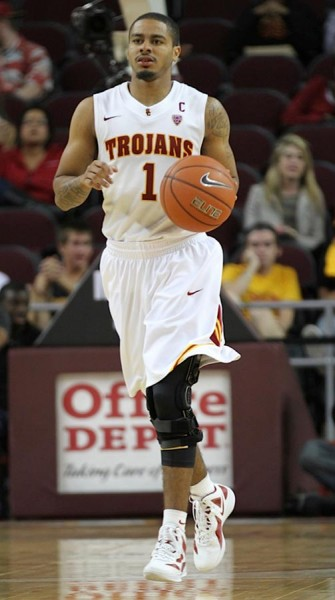 Fontan Return From His Knee Injury Has Been Slow, But He's Been A Team Leader Throughout (Corey Marquetti, Daily Trojan)