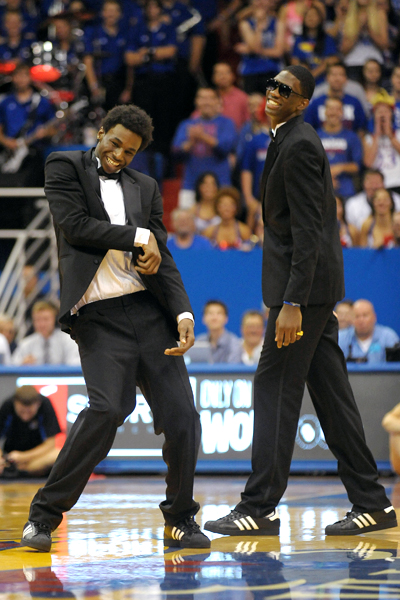 Wiggins' Later Aerial Show Trumped His Suit & Tie Dance Moves (credit: ESPN.com)