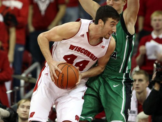 Frank Kaminsky looks to stay hot against a quality St. Louis team.  (Getty)