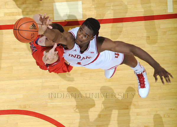 Noah Vonleh won the first B1G Freshman of the Week award of the season after a double-double effort on Friday.