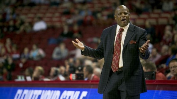 Mike Anderson and Arkansas will, yet again, try to make a statement on the road against Tennessee (foxnews.com).