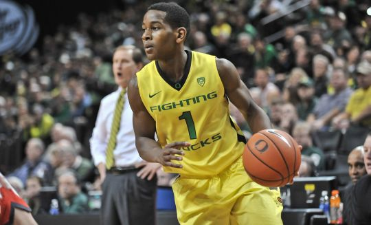 It's been tough sledding lately for Dominic Artis and the Ducks. (AP)