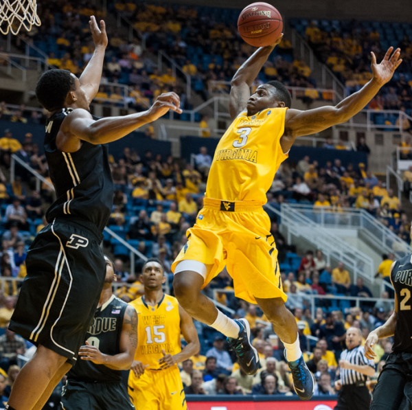 Juwan Staten and the Mountaineers face a big test in Manhattan. (AP Photo/Andrew Ferguson)