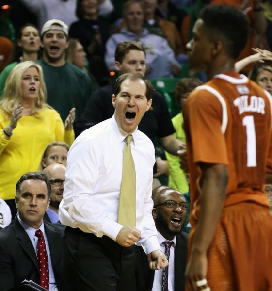As best told by this photograph, there are a lot of things not going Scott Drew's way lately. (Rod Aydelotte/Waco Tribune-Herald)