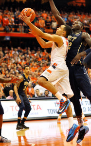 Tyler Ennis got to the rim to seal Syracuse's victory. (credit: Dick Blume / Syracuse Post-Standard)
