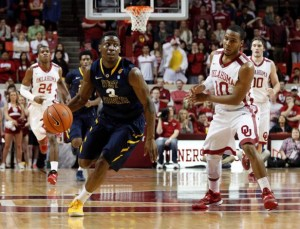 West Virginia's early bubble status doesn't negate Juwan Staten's standing among the Big 12's top individual talents. (AP/Garrett Fisbeck)
