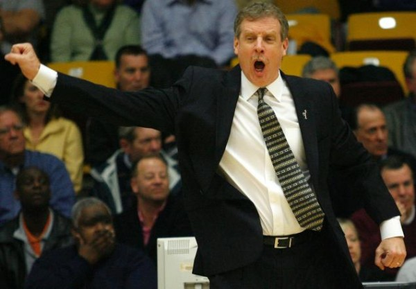 Iona head coach Tim Cluess led the Gaels to a regular season MAAC title. (KEN GOLDFIELD FOR NEW YORK DAILY NEWS)