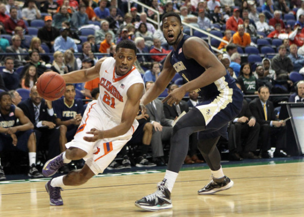 Clemson is getting solid backcourt play from Damarcus Harrison. (Photo: Rex Brown/IPTAY Media)