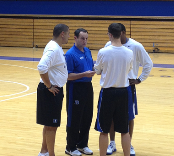 Mike Krzyzewski and His Assistants Meet Before Scrimmage Starts (rushthecourt.net)