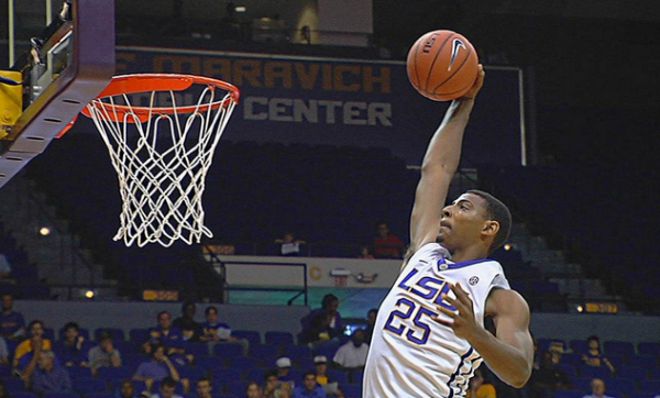 LSU has been unable to overcome off-nights from either Jordan Mickey or Jarell Martin (comojuega.com).