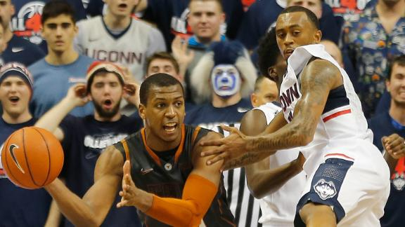 Jonathan Holmes' late heroics in Storrs kept Texas undefeated.
