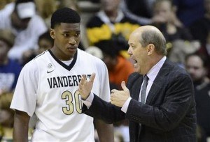 Kevin Stallings will need a big season from Damian Jones for Vanderbilt to be successful. (AP/Mark Zaleski)
