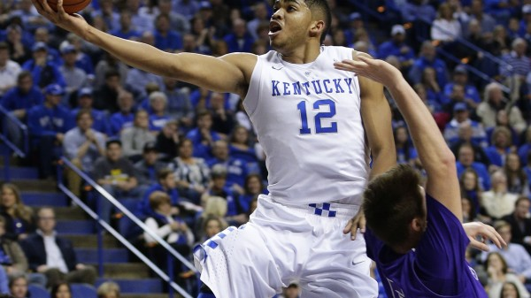 Kentucky was clicking on all cylinders against Kansas tonight. (Photo: AP Photo/James Crisp)