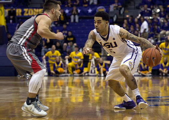 Josh Gray led LSU to a big win over UMass with 25 points (nola.com).
