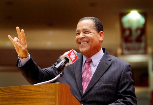 If Houston were to join the Big 12, head coach Kelvin Sampson would know his way around the league. (Houston Chronicle)