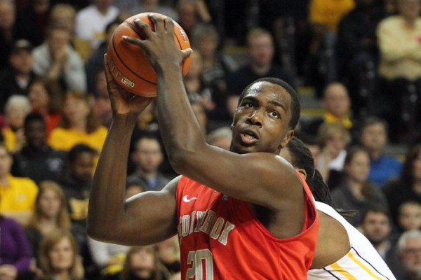 Stony Brook's Jameel Warney has been dominant in 2014-15. (Peter Casey-USA TODAY Sports)
