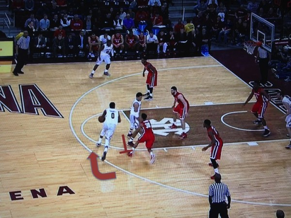 Thornwell puts the ball on the floor and drives (screen grab via ESPN).