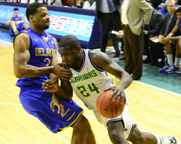 UNC Wilmington is one of four teams currently tied for first. (AlanCradick/StarNews)
