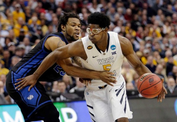 Devin Williams led West Virginia to victory today. (Tony Dejak/AP)