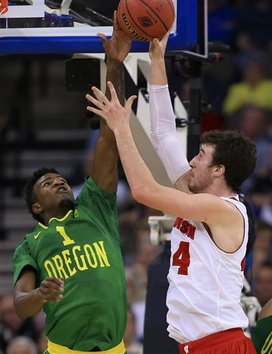 Jordan Bell Is Back For The Ducks, But They're Still A Long Way From Healthy (AP Photo/Nati Harnik)