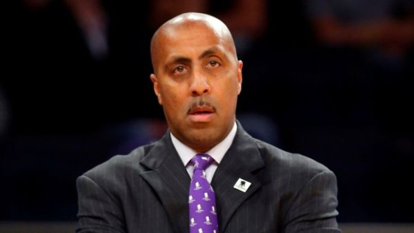 With Lorenzo Romar starting from square one, things could get scary. (USA TODAY Sports)