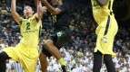 Chris Boucher, Casey Benson And The Ducks Are Halfway Home To A Pac-12 Title (AP Photo/Chris Pietsch)