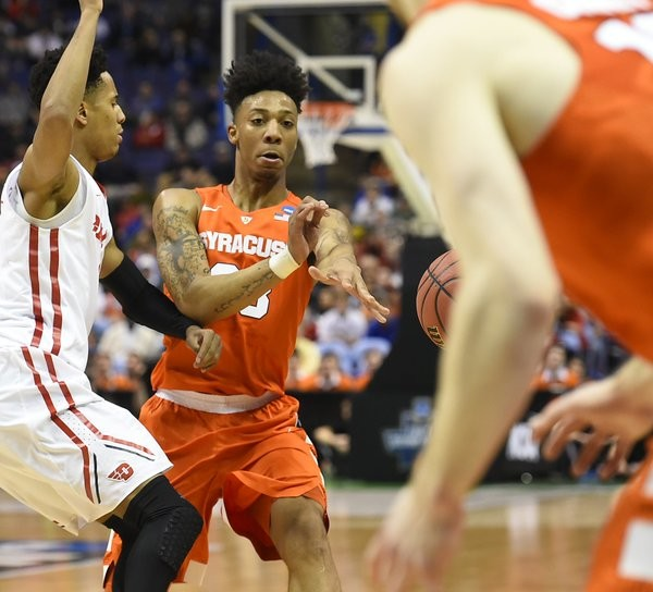 Syracuse's Malachi Richardson attempts a pass to teammate Trevor Cooney. (Credit: Syracuse.com)
